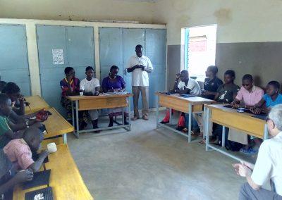 Promover la formación y la integración laboral y social